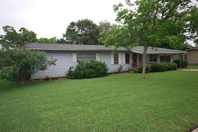 Lavaca County Single Family Home For Sale: 504 Page Street