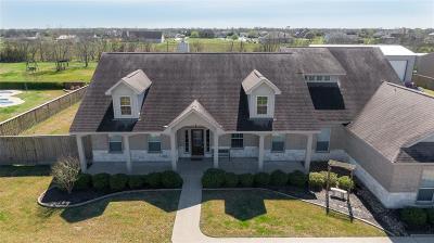 Baytown Single Family Home Pending: 4518 Landon Lane