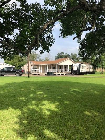 Brazoria Single Family Home For Sale: 2064 County Road 342