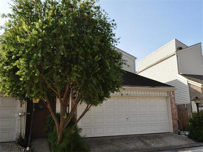 Houston Single Family Home For Sale: 1829 Bering Drive #22