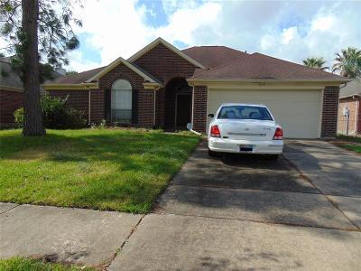 League City Single Family Home For Sale: 117 Chariss Glen Drive