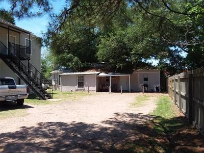 Austin County Multi Family Home For Sale: 114 N Fowlkes Street