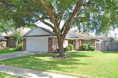 Kingwood Single Family Home Option Pending: 26978 Crown Haven Drive