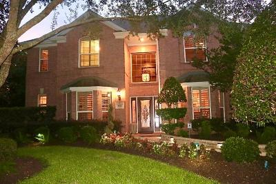 Friendswood Single Family Home For Sale: 602 Timber View