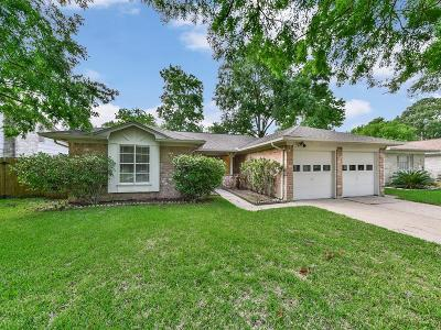 Sugar Land Single Family Home For Sale: 13607 Stonehenge Drive