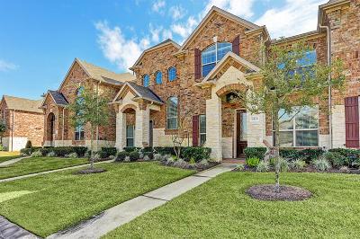 Houston Condo/Townhouse For Sale: 9215 Monarch Mist Lane