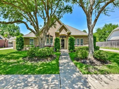 Dickinson, Friendswood Single Family Home For Sale: 410 Regency Court