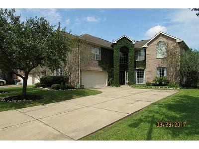 Pearland Single Family Home For Sale: 3107 E Cedar Hollow Drive
