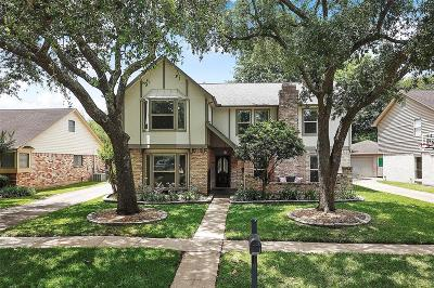 Sugar land Single Family Home For Sale: 2722 Pepper Wood Drive