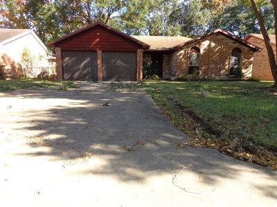 Baytown Single Family Home For Sale: 5406 Hemlock Drive