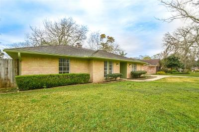 Friendswood Single Family Home For Sale: 5442 Appleblossom Lane