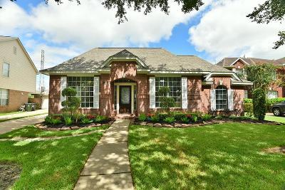 Sugar Land Single Family Home For Sale: 2350 Plantation Bend Drive