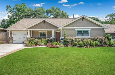 Oak Forest Single Family Home For Sale: 4930 Nina Lee Lane