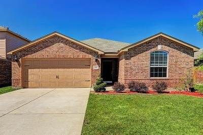La Marque Single Family Home For Sale: 338 Shoshone Ridge Drive