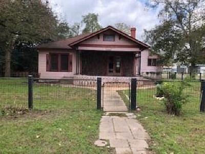 Columbus TX Single Family Home For Sale: $122,500