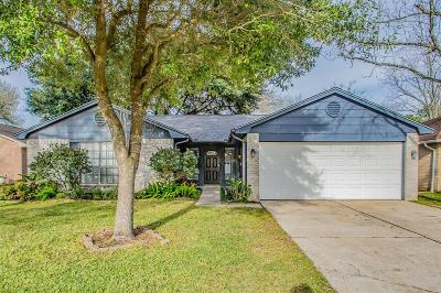 Friendswood Single Family Home For Sale: 17047 Coachmaker Drive