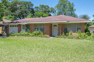 Oak Forest Single Family Home For Sale: 4814 Lido Lane