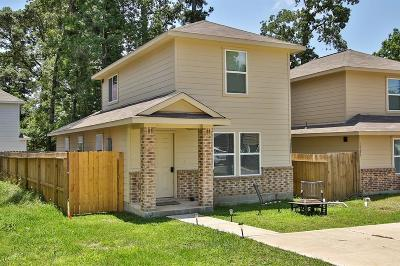 Montgomery TX Single Family Home For Sale: $137,000