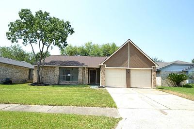 Spring Single Family Home For Sale: 21319 Bassbrook Drive