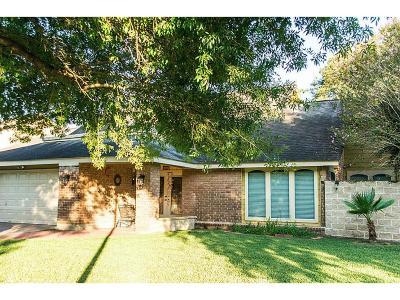 Houston Single Family Home For Sale: 10427 Huntington Estates
