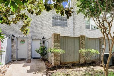 Houston Condo/Townhouse For Sale: 212 Wilcrest Drive