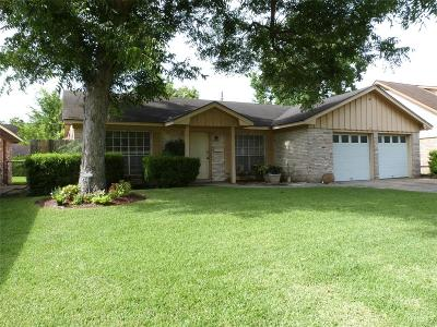 Deer Park Single Family Home For Sale: 310 Helen Drive
