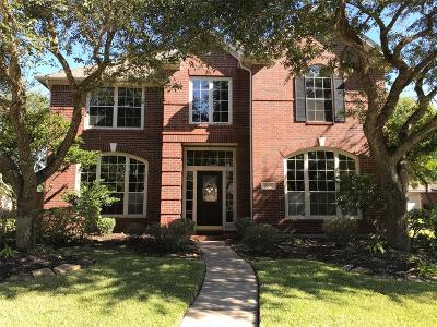 Sugar Land Single Family Home For Sale: 8003 Walnut Creek Court