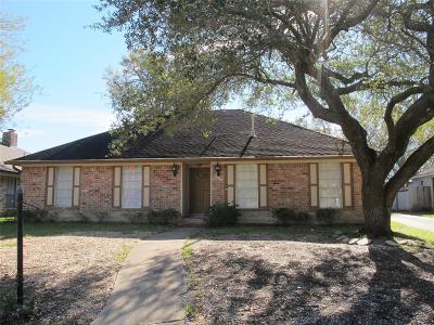 Friendswood Single Family Home For Sale: 5131 Whittier Oaks Drive