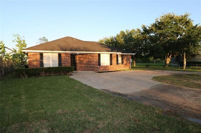 Rosharon Single Family Home For Sale: 11521 County Road 48