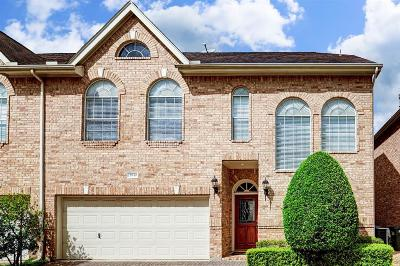 Houston Condo/Townhouse For Sale: 2830 Briarhurst Park