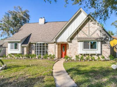 Friendswood Single Family Home For Sale: 5214 Shady Oaks Lane