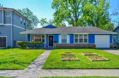 Oak Forest Single Family Home For Sale: 2227 Saxon Drive
