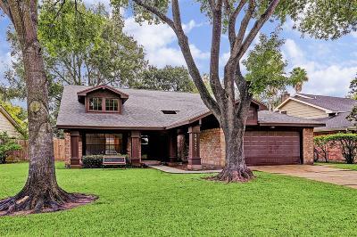 Houston Single Family Home For Sale: 9822 Gold Cup Way