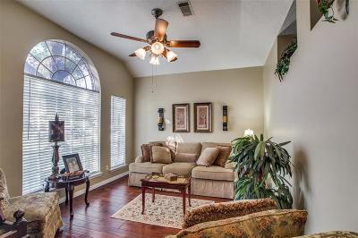 Willis Single Family Home For Sale: 7178 Edgewater Drive W