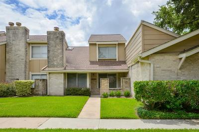 Harris County Condo/Townhouse For Sale: 2380 Woodland Park Drive #135