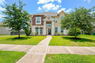 Sugar Land Single Family Home For Sale: 5607 Valley Country Lane