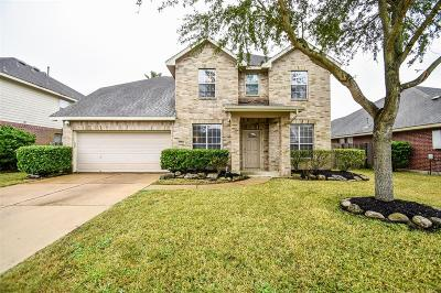 Pearland Single Family Home For Sale: 2702 Courtyard Lane