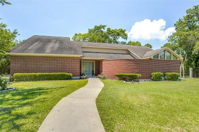 La Porte Single Family Home For Sale: 602 Sandy Lane