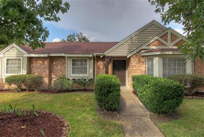 Jersey Village Single Family Home For Sale: 15626 Jersey Drive