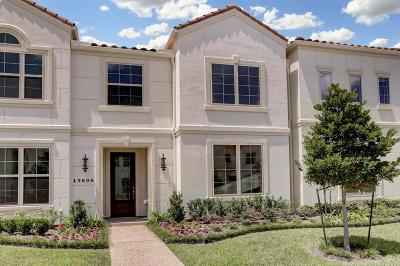 Houston Condo/Townhouse For Sale: 13606 Teal Bluff Lane