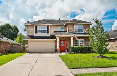 Single Family Home For Sale: 18819 Cluster Oaks Drive