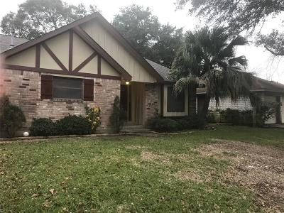Friendswood Single Family Home For Sale: 5122 Shady Oaks Lane
