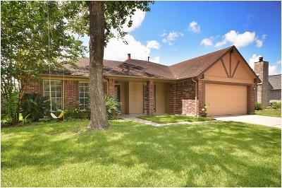 Friendswood Single Family Home For Sale: 15530 Pilgrim Hall Drive