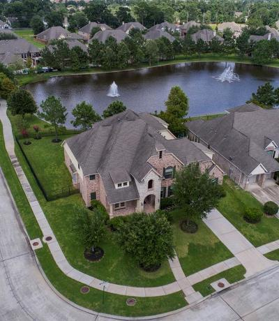 Spring Single Family Home For Sale: 31230 Lakeview Bend Lane