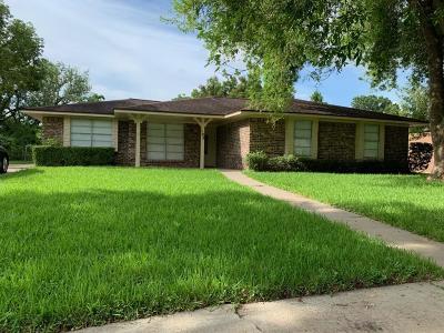Lake Jackson Single Family Home For Sale: 103 Spruce