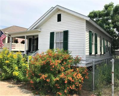Galveston Single Family Home For Sale: 923 Postoffice