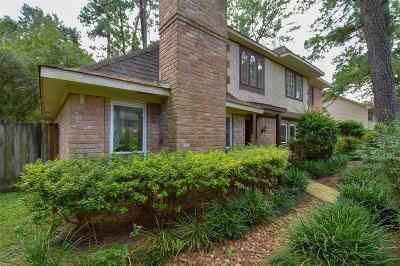 Single Family Home For Sale: 8211 Oak Moss Drive