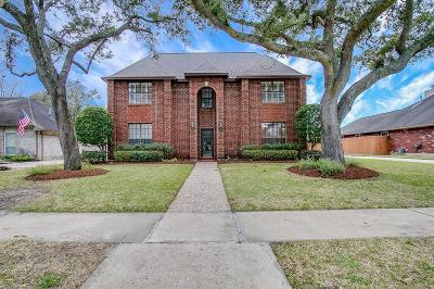 Sugar Land Single Family Home For Sale: 807 W Green Belt Drive