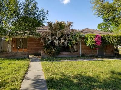 Tomball Single Family Home For Sale: 200 Tyler Street