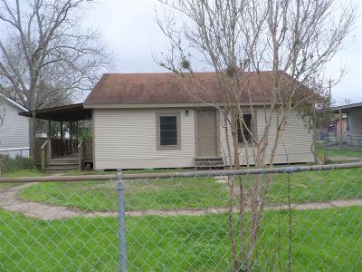 Hitchcock Single Family Home For Sale: 8312 N Railraod Avenue